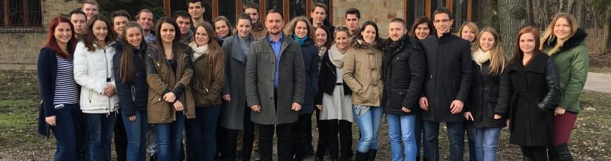MKT IB: vezetői hétvége a fejlesztésekről