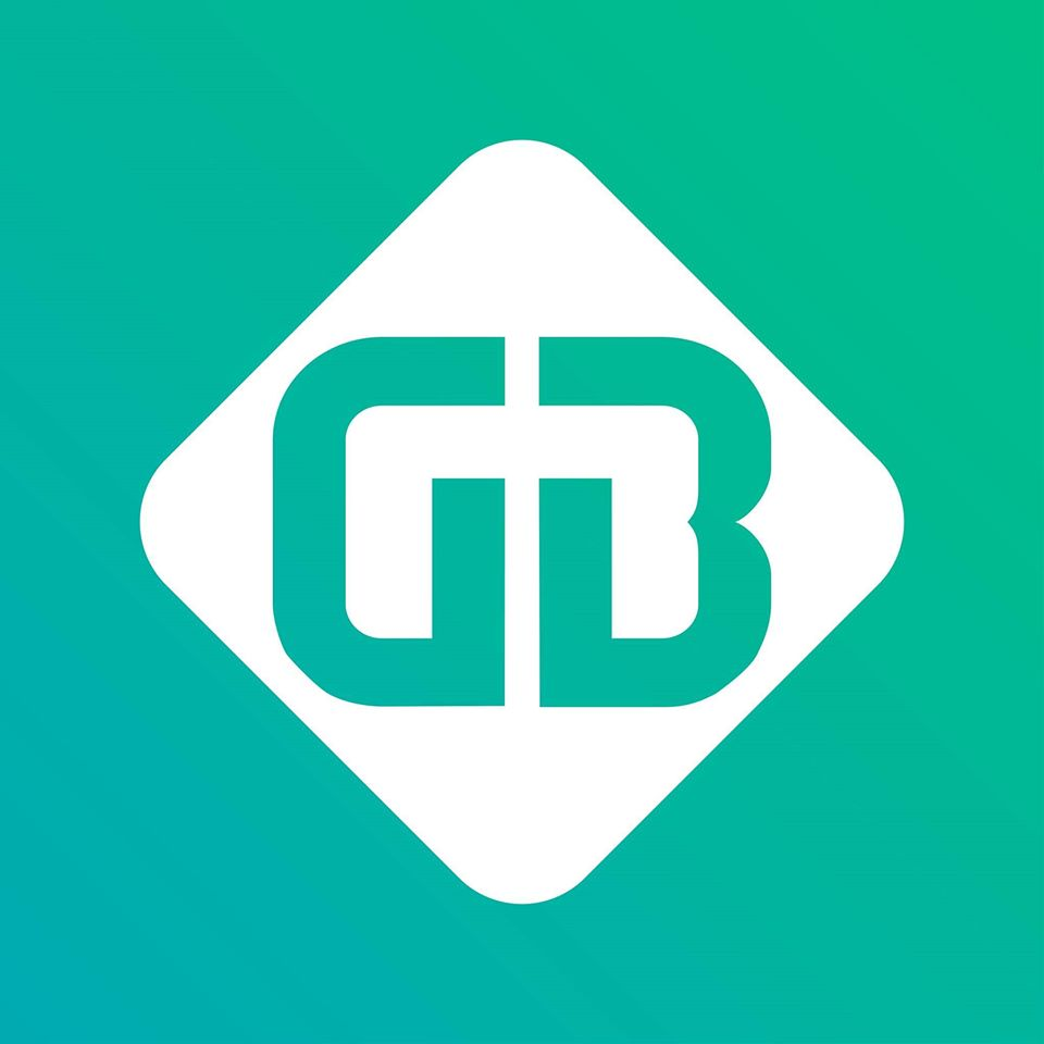 A Gránit Bank logója. Zöld háttér előtt egy sarkára fordított fehér négyszögben szerepel egy G és egy B betű